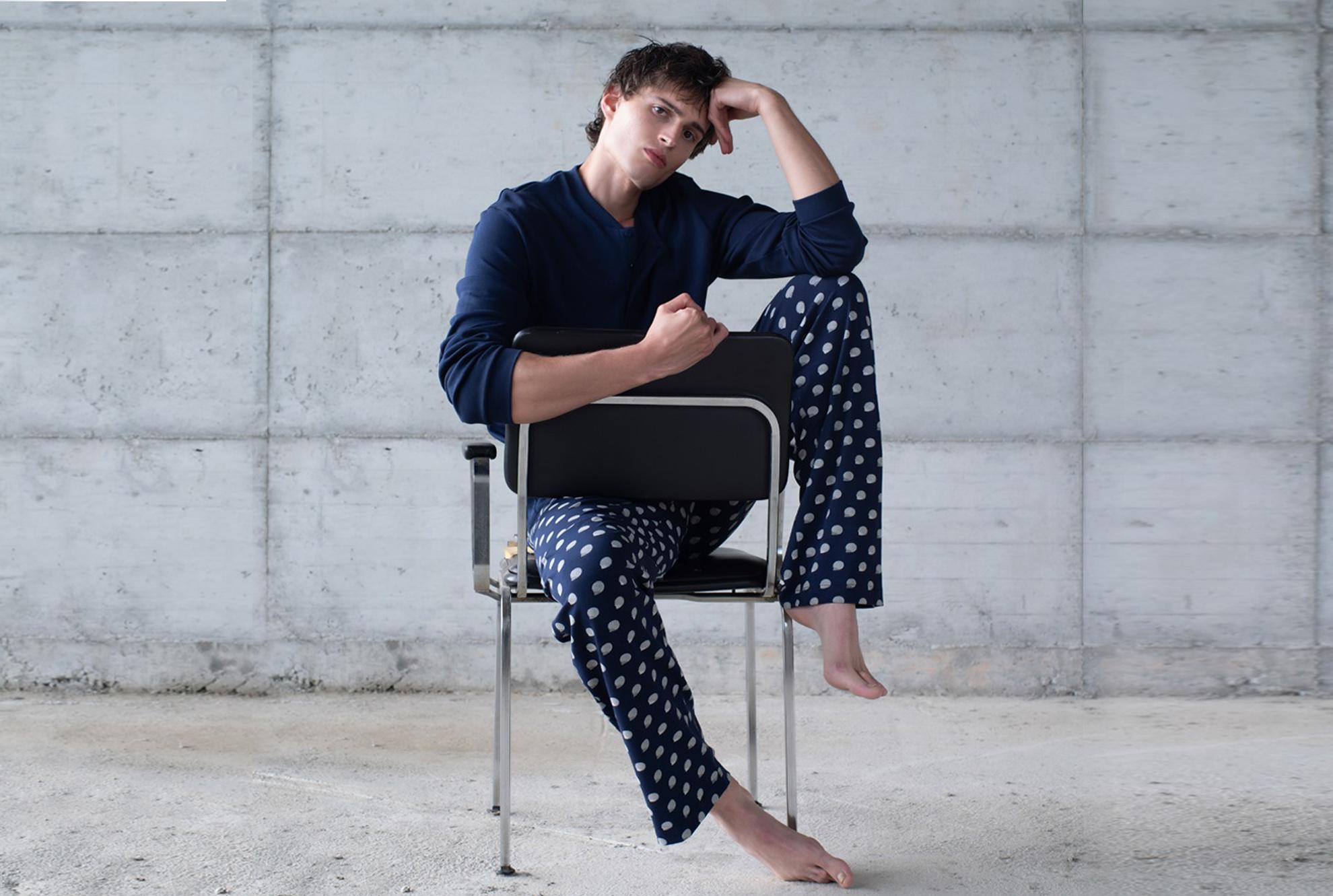 Pigiama uomo: personalizzare il pigiama con le iniziali è cool.